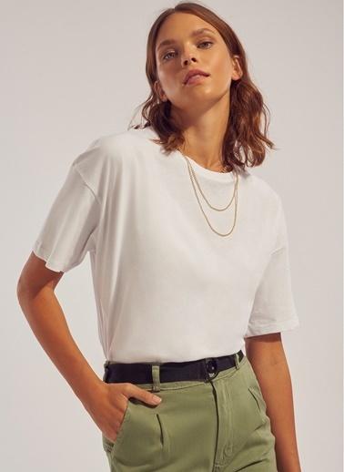 Monamoda Sırtı Baskılı Oversize Tişört Beyaz